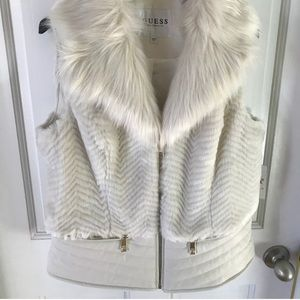 GUESS women's piper vest with faux fur collar